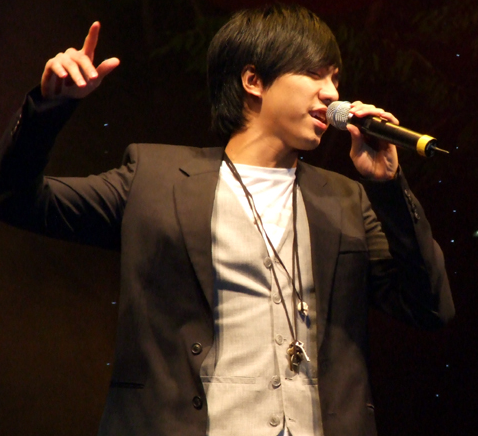 Lee_seung_gi sings